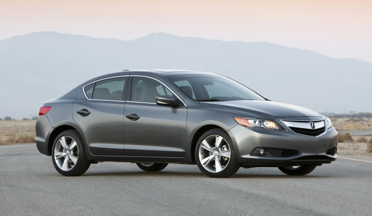 2013 Acura ILX Sedan 2.0 Picture
