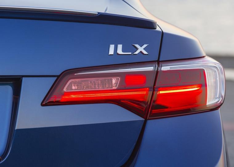 2017 Acura ILX Sedan Tail Light Picture