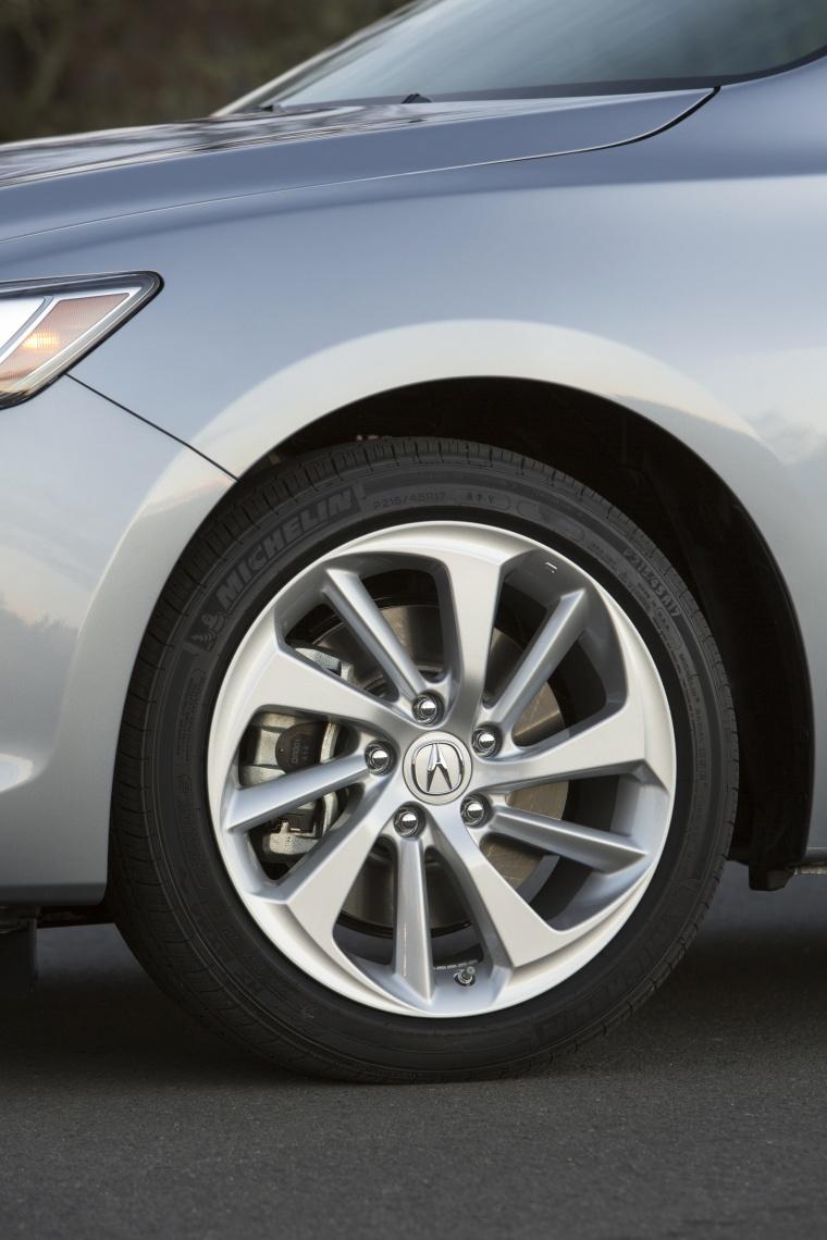 2017 Acura ILX Sedan Rim Picture