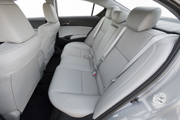 2018 Acura ILX Sedan Rear Seats Picture