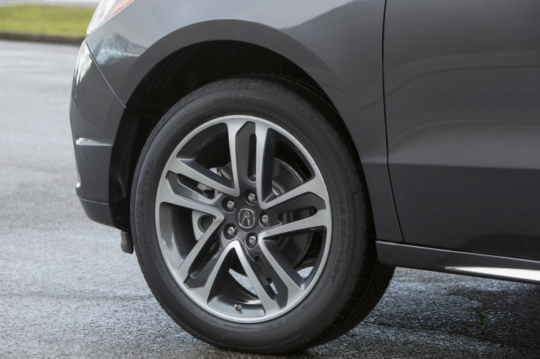 Picture of a 2019 Acura MDX Sport Hybrid's Rim