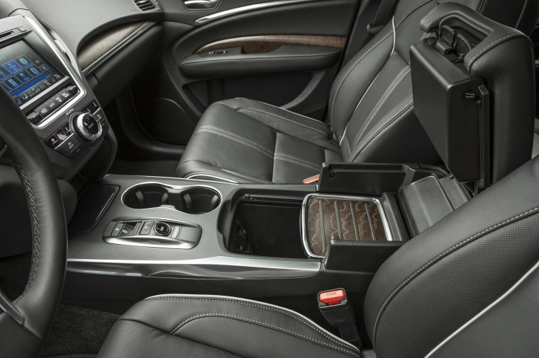 Picture of a 2019 Acura MDX Sport Hybrid's Center Stack
