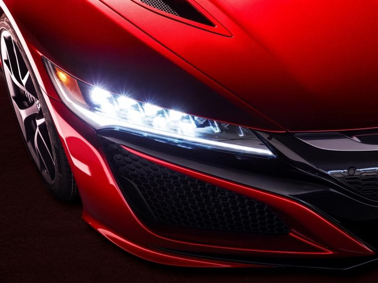 2018 Acura NSX Sport Hybrid SH-AWD Headlight Picture