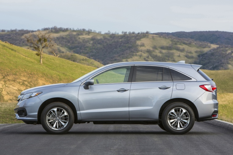 2017 Acura RDX AWD in Lunar Silver Metallic from a side view