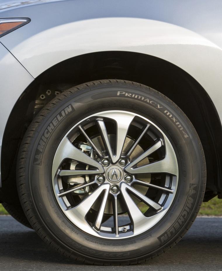 2018 Acura RDX AWD Rim Picture