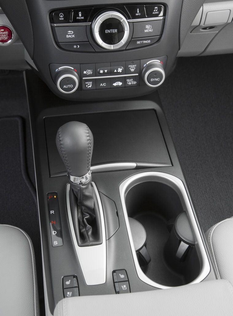 2018 Acura RDX AWD Center Console Picture
