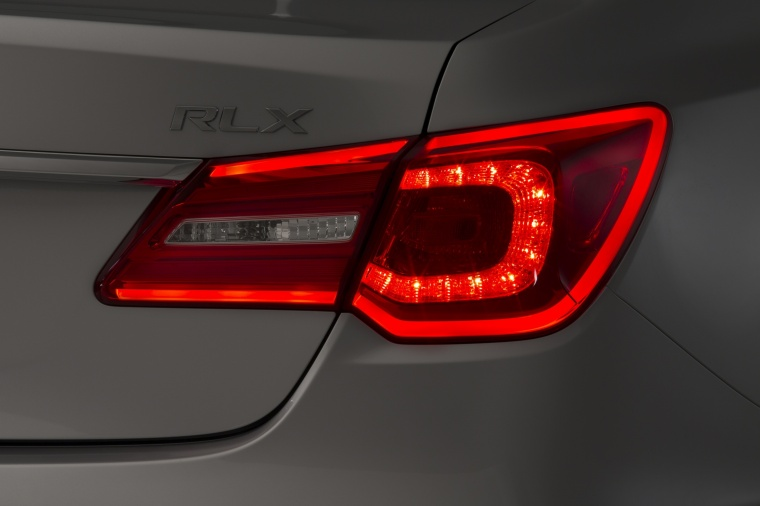 2016 Acura RLX Tail Light Picture
