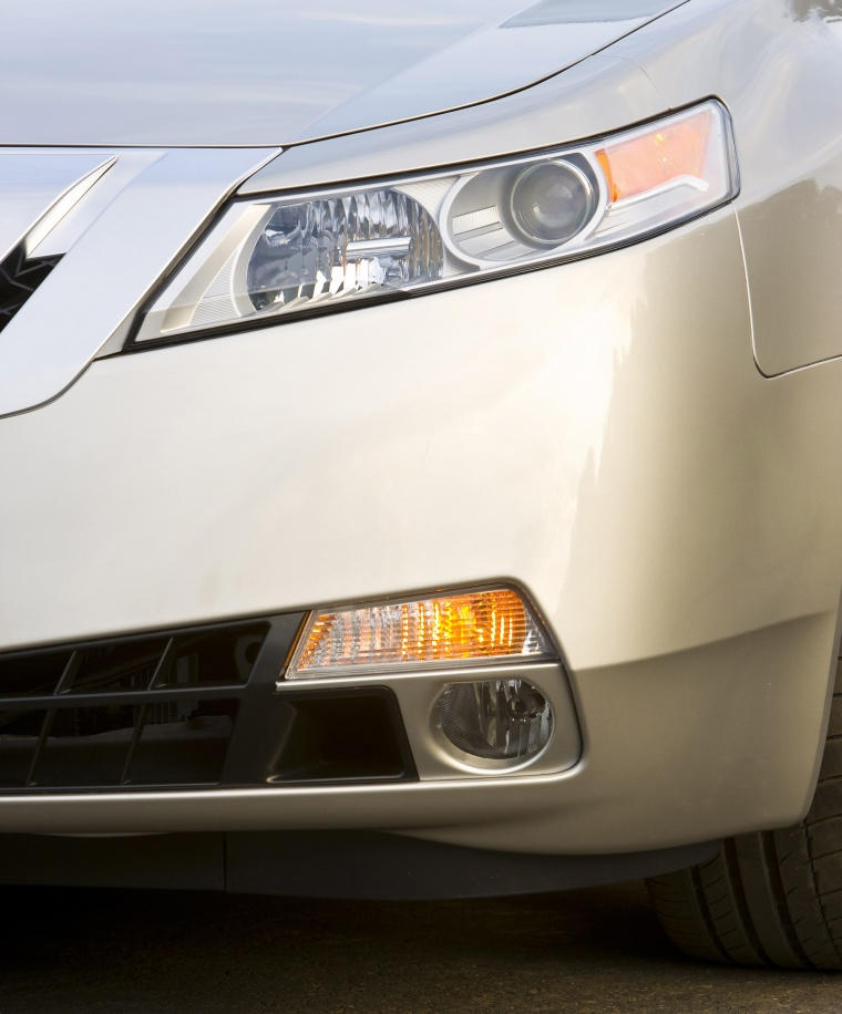 2010 Acura TL SH-AWD Headlight Picture