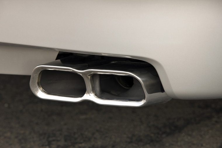 2010 Acura TL SH-AWD Exhaust Tips Picture
