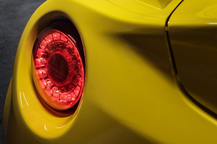 2015 Alfa Romeo 4C Spider Tail Light Picture