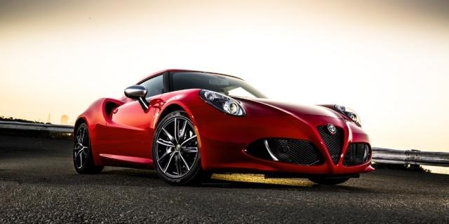 2016 Alfa Romeo 4C Pictures