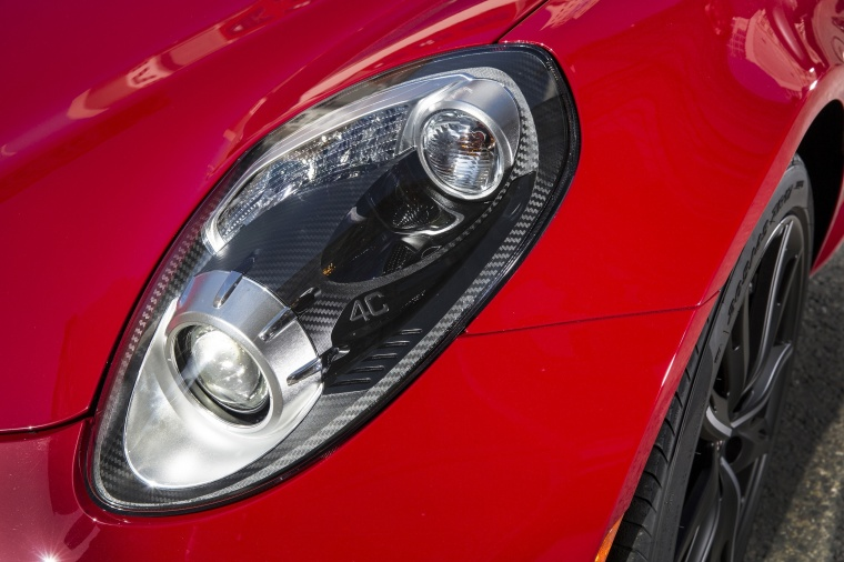 2017 Alfa Romeo 4C Coupe Headlight Picture