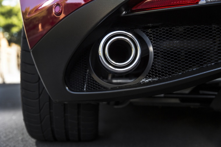 2017 Alfa Romeo 4C Coupe Exhaust Tip Picture