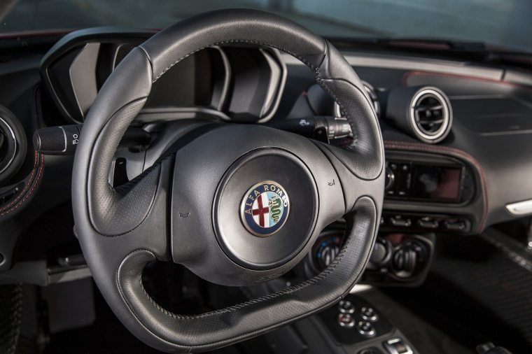 2017 Alfa Romeo 4C Coupe Steering-Wheel Picture