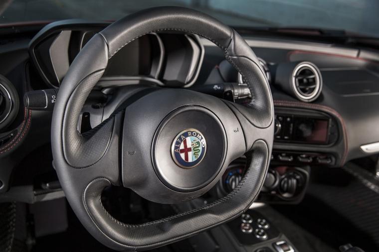 2018 Alfa Romeo 4C Coupe Steering-Wheel Picture