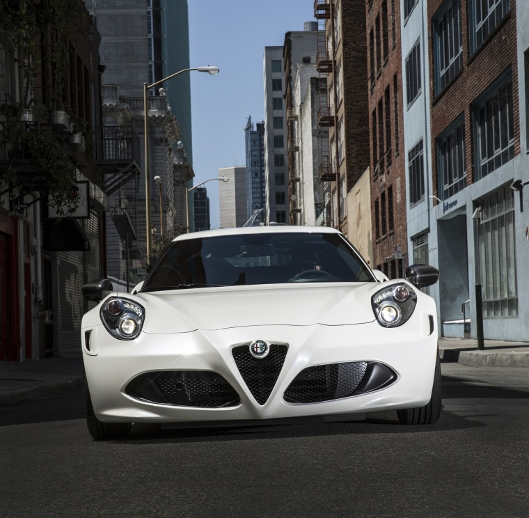 2018 Alfa Romeo 4C Coupe Picture