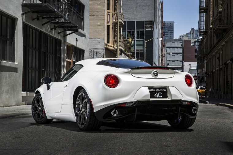 2018 Alfa Romeo 4C Coupe Picture