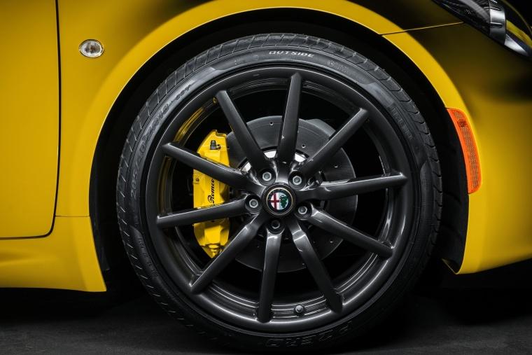 2018 Alfa Romeo 4C Spider Rim Picture