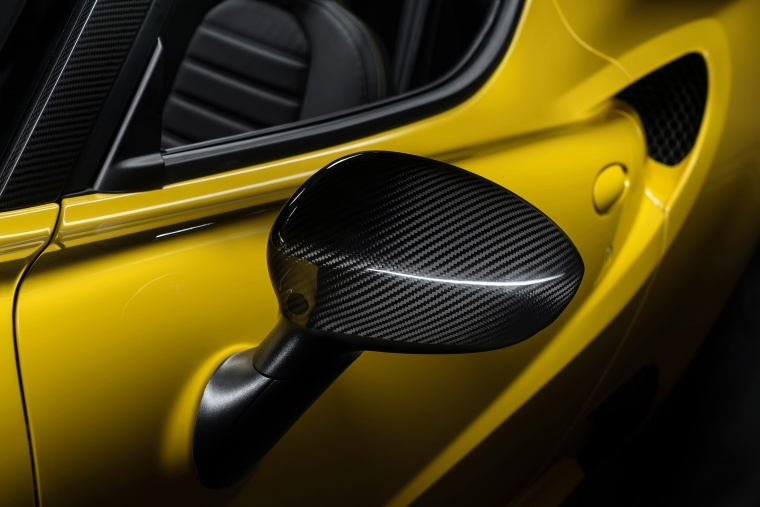 2018 Alfa Romeo 4C Spider Door Mirror Picture