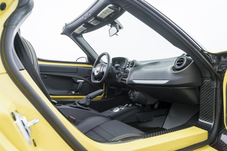 2018 Alfa Romeo 4C Spider Front Seats Picture