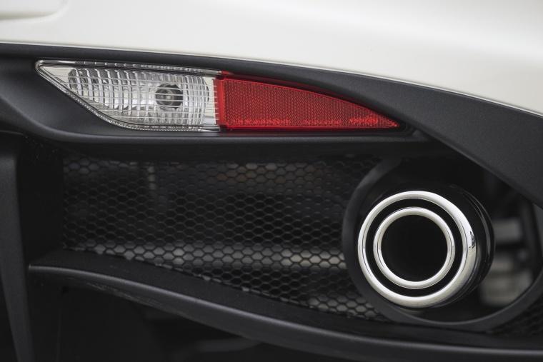 2018 Alfa Romeo 4C Spider Exhaust Tip Picture