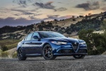 2017 Alfa Romeo Giulia AWD in Montecarlo Blue Metallic - Static Front Right Three-quarter View