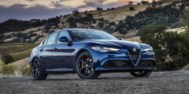2017 Alfa Romeo Giulia Pictures