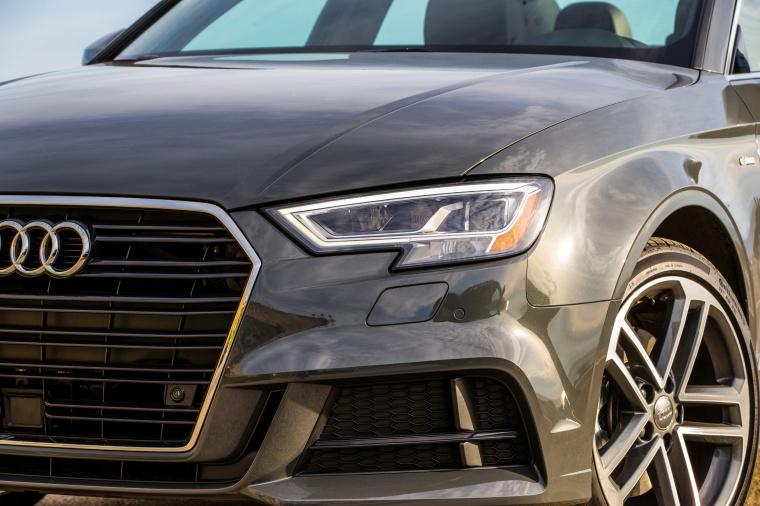 2018 Audi A3 2.0T quattro Sedan Headlight Picture