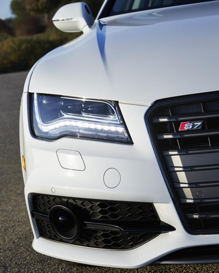 2015 Audi S7 Sportback 4.0T Prestige Headlight Picture