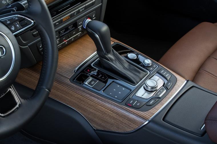 2017 Audi A7 Sportback Gear Lever Picture