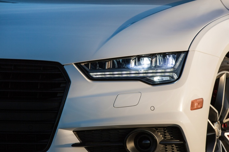 2017 Audi A7 Sportback Headlight Picture