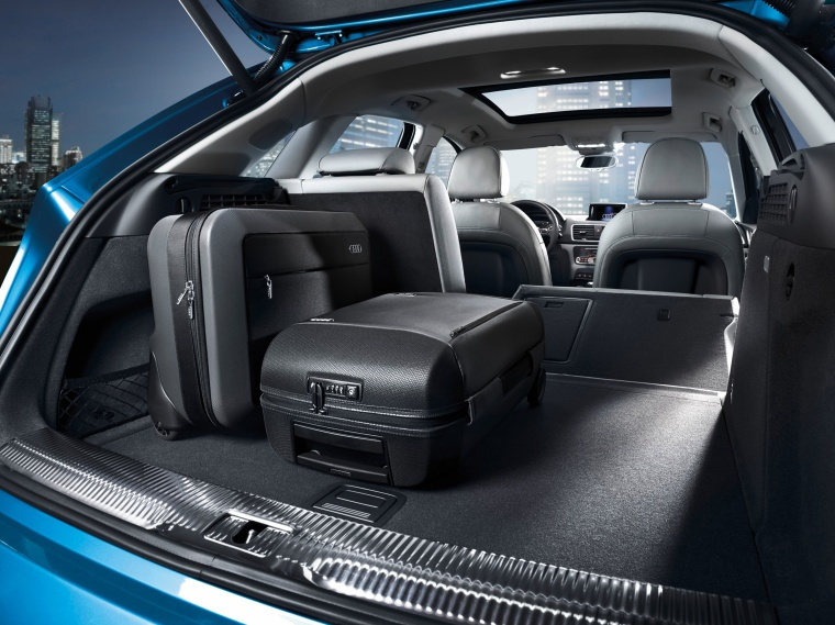 2017 Audi Q3 Trunk Picture