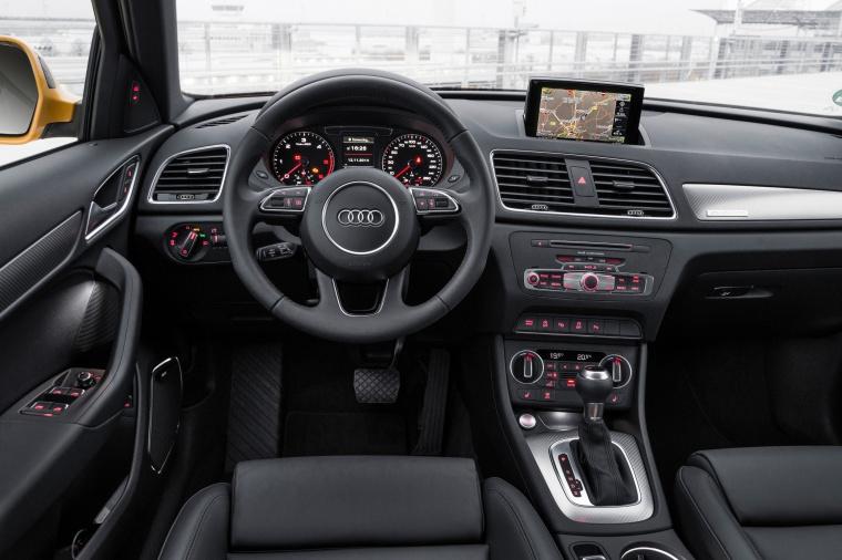 2017 Audi Q3 2.0T quattro Cockpit Picture