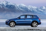 2010 Audi Q5 3.2 Quattro in Deep Sea Blue Pearl Effect - Static Side View