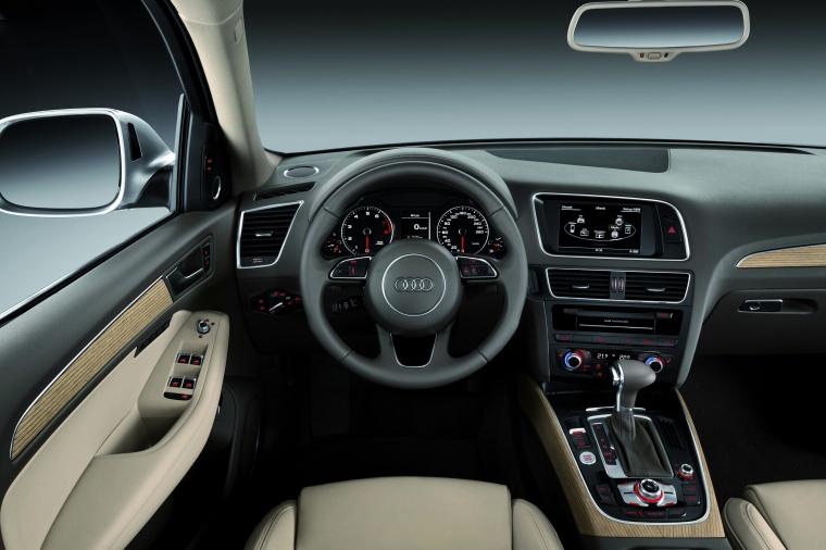 2016 Audi Q5 2.0 TFSI Quattro Cockpit Picture