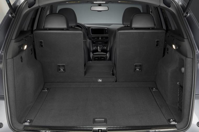 2016 Audi Q5 3.0T Quattro S-Line Trunk Picture