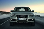 2016 Audi Q5 2.0 TFSI Quattro in Cuvee Silver Metallic - Driving Frontal View