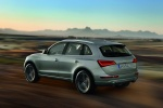 2016 Audi Q5 2.0 TFSI Quattro in Cuvee Silver Metallic - Driving Rear Left Three-quarter View