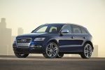 2016 Audi SQ5 Quattro in Scuba Blue Metallic - Static Front Left Three-quarter View
