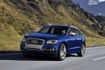 2016 Audi SQ5 Quattro in Scuba Blue Metallic - Driving Front Left Three-quarter View