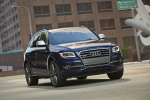 2016 Audi SQ5 Quattro in Scuba Blue Metallic - Driving Front Right Three-quarter View