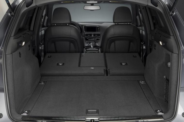 2017 Audi Q5 3.0T Quattro S-Line Trunk Picture