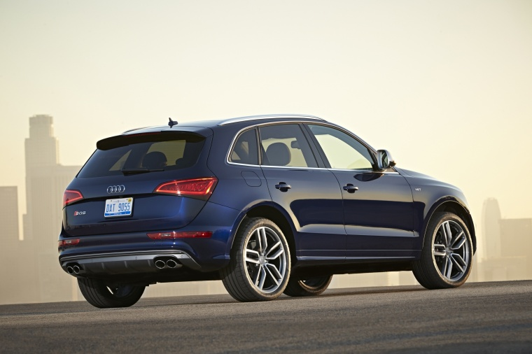 2017 Audi SQ5 Quattro in Sepang Blue Pearl Effect from a rear right three-quarter view
