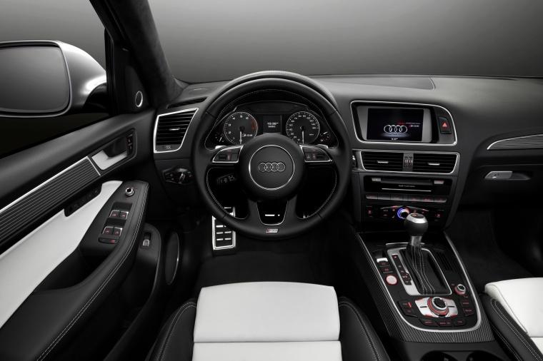 2017 Audi SQ5 Quattro Cockpit Picture