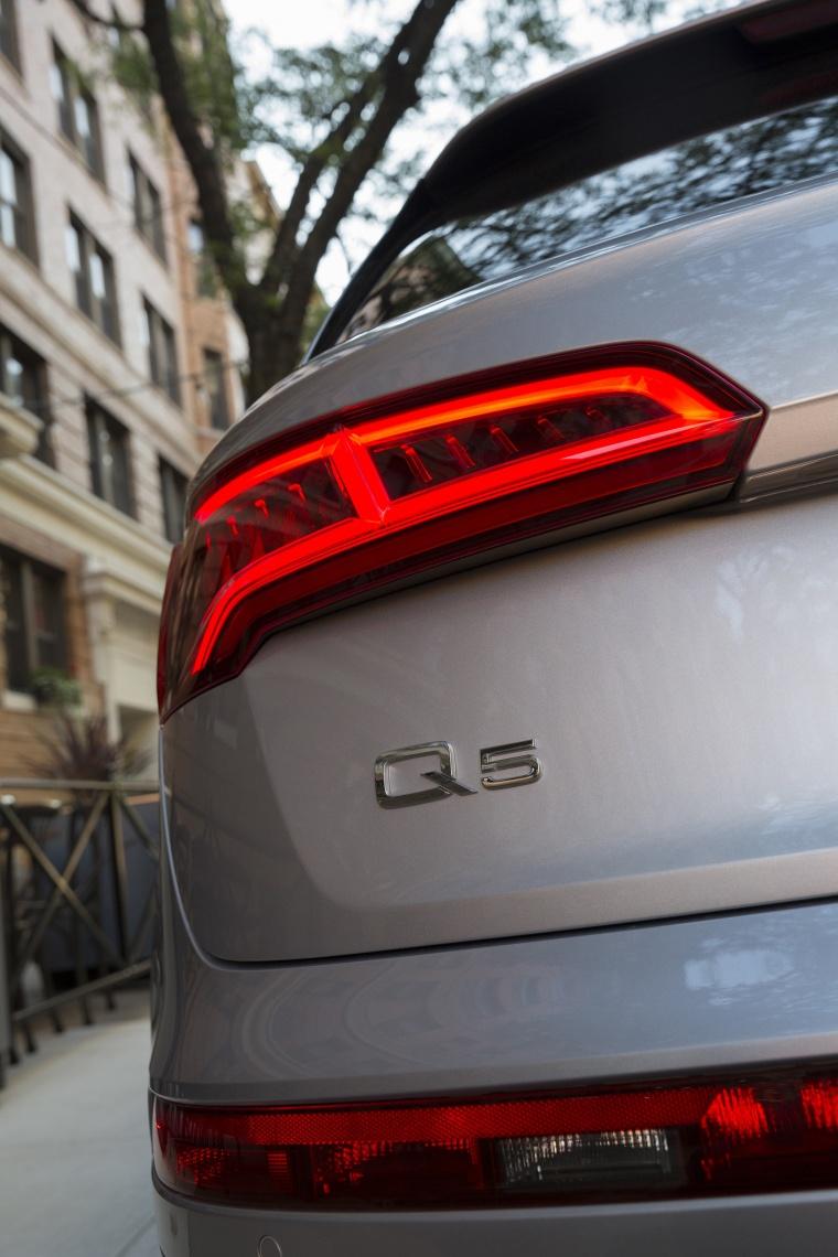 2018 Audi Q5 quattro Tail Light Picture
