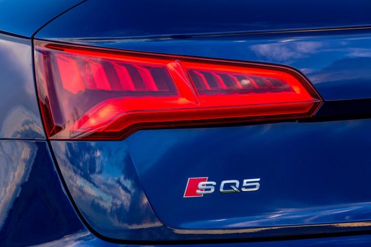 2018 Audi SQ5 quattro Tail Light Picture