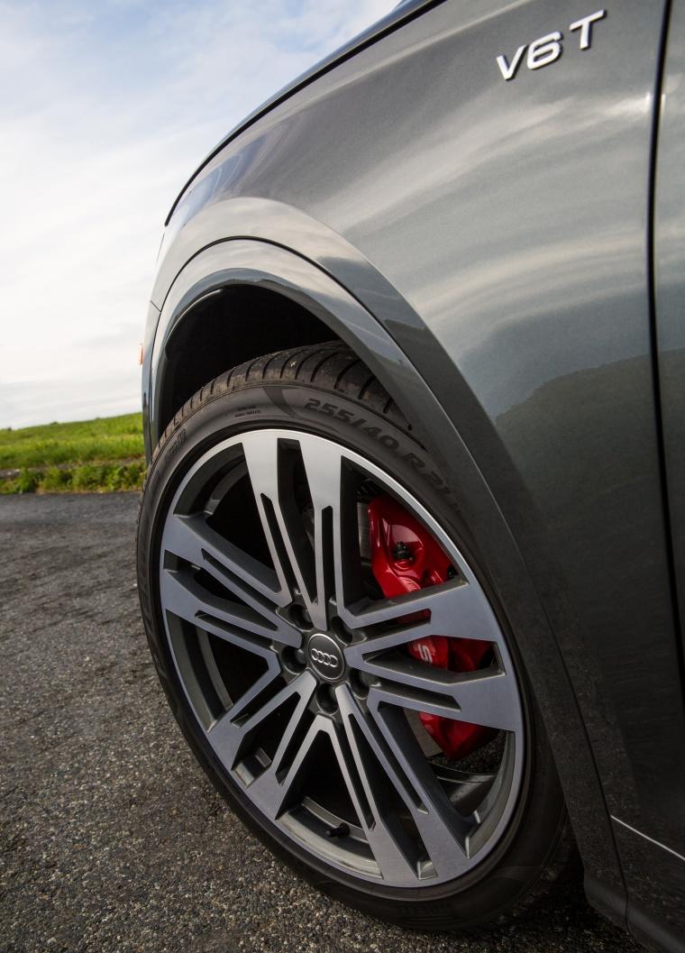 2018 Audi SQ5 quattro Rim Picture