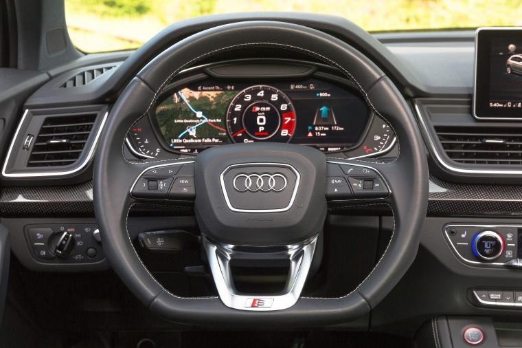 2018 Audi SQ5 quattro Cockpit Picture