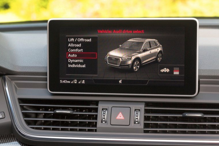 2018 Audi SQ5 quattro Dashboard Screen Picture