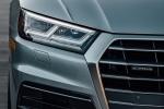 Picture of a 2018 Audi Q5 quattro's Headlight